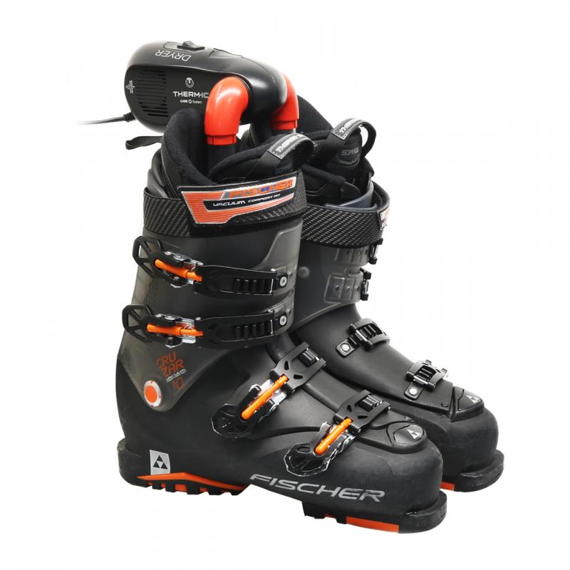 Skisokken en -schoenen blijven droog met de Drywarmer